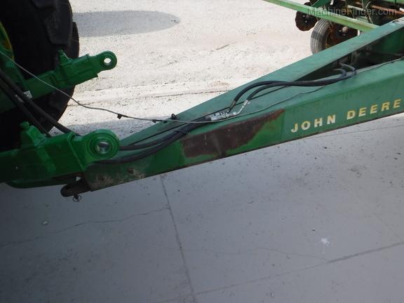 John Deere 7000