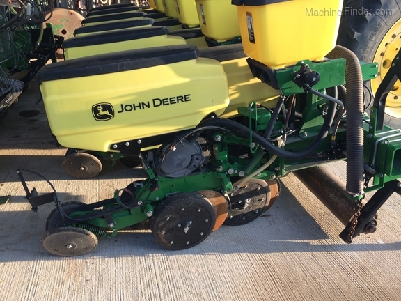 2016 John Deere 1705 Twin Row