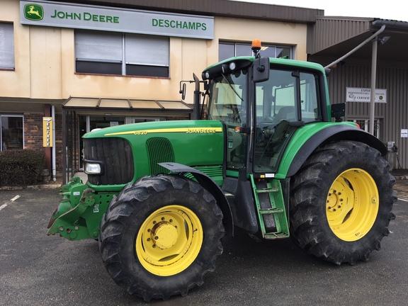 John Deere 6820
