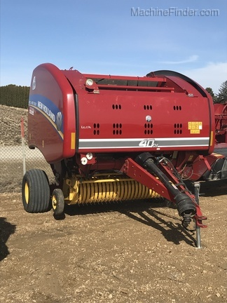 New Holland RB550