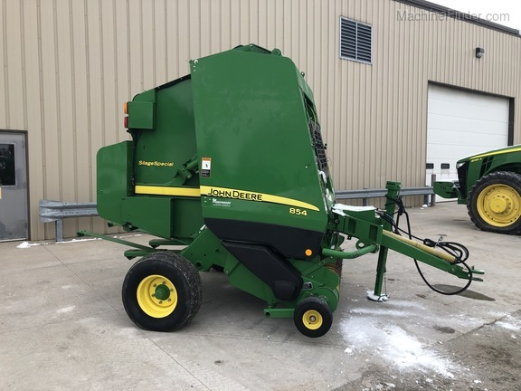 2011 John Deere 854 Silage Special Image 2