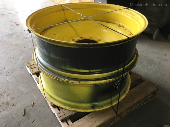 John Deere RE324323 MFWD WHEEL