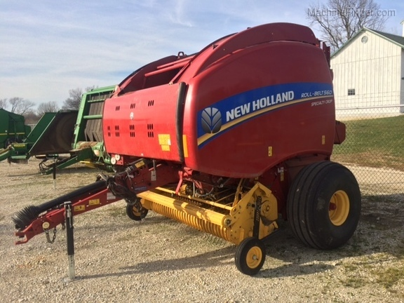 New Holland BR560