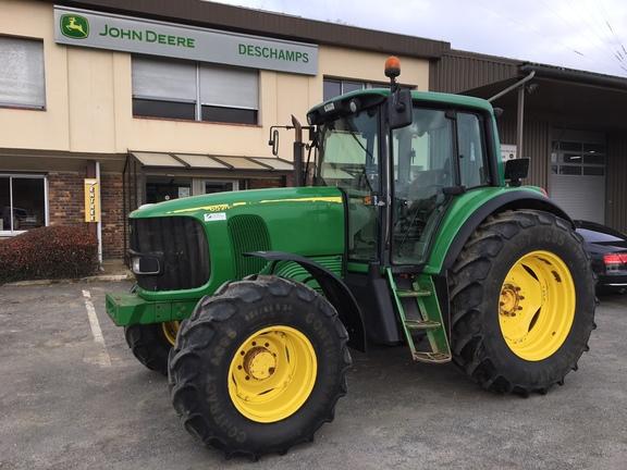 John Deere 6520