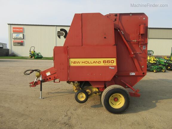 1994 New Holland 660 Image 2