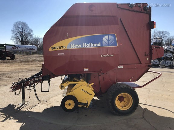 2014 New Holland BR7070
