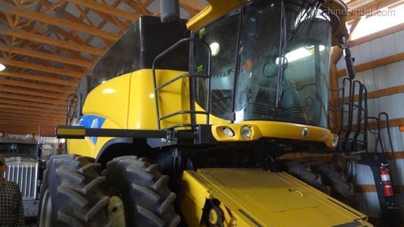 2011 New Holland CR9070