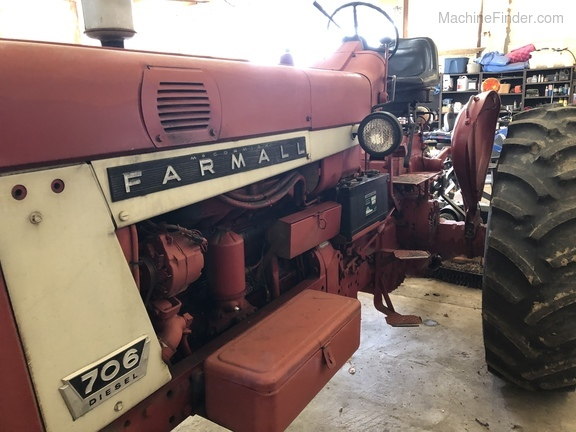 1964 International FARMALL 706