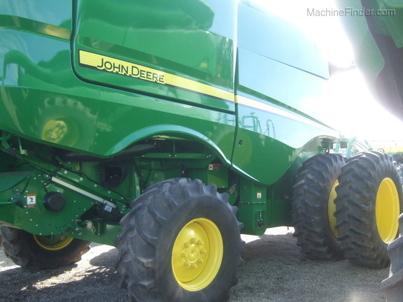 John Deere S660