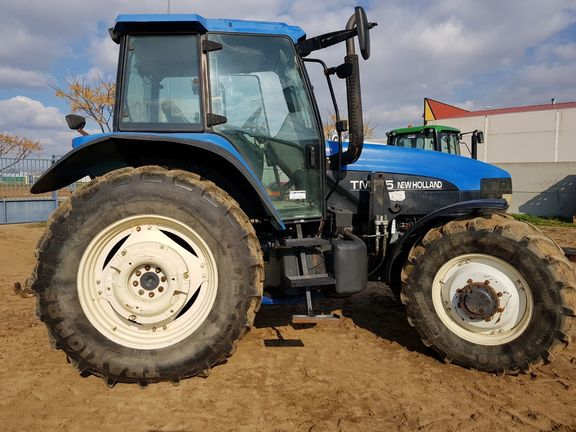 New Holland TM 115 4WD