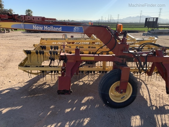 2008 New Holland 216