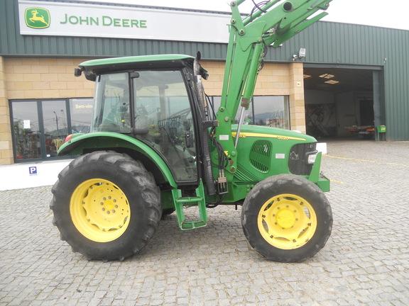 John Deere 5620