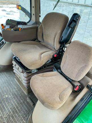 2012 John Deere 7215R-10