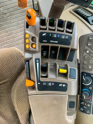 2012 John Deere 7215R-12