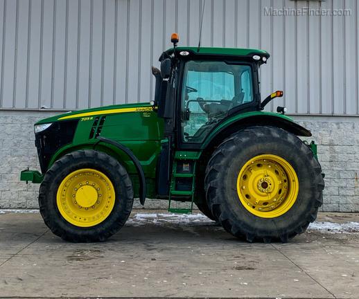 2012 John Deere 7215R-3