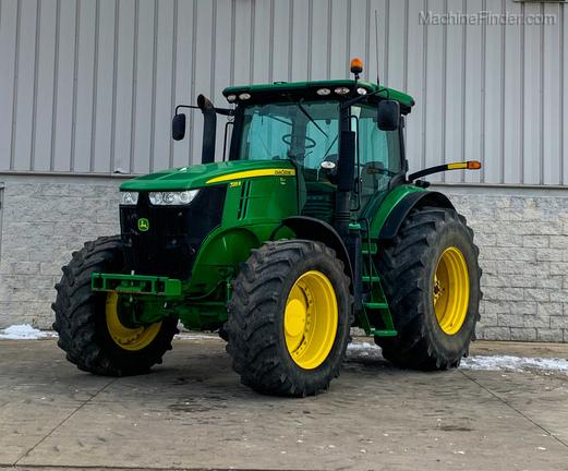 2012 John Deere 7215R-0