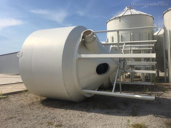Sukup 1000 Bushel Bulk Grain Tank