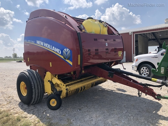 2014 New Holland Rollbelt 560