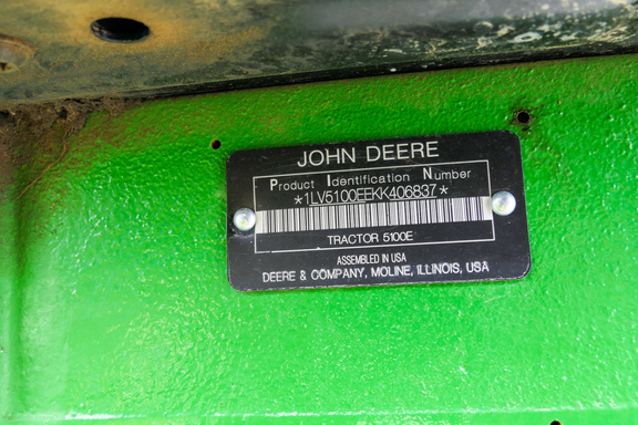 2020 John Deere 5100E-28