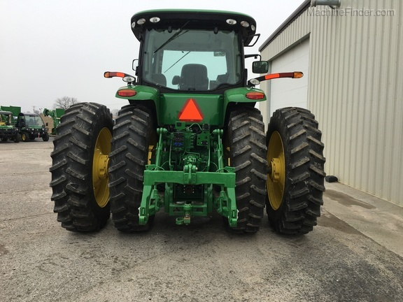 Photo of 2017 John Deere 8245R