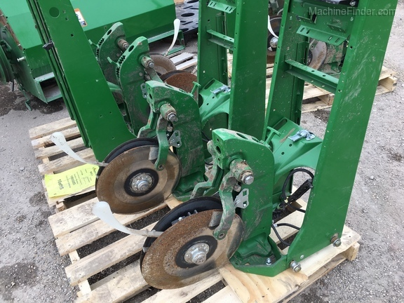 John Deere XP ROW UNIT SHANK & SUPPORT