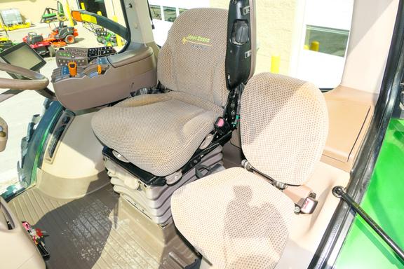 2013 John Deere 7260R-10