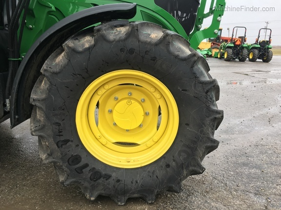 Photo of 2018 John Deere 6110M