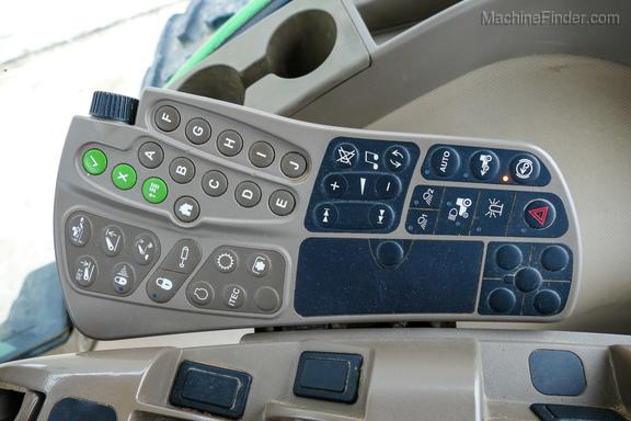 2011 John Deere 8235R-13