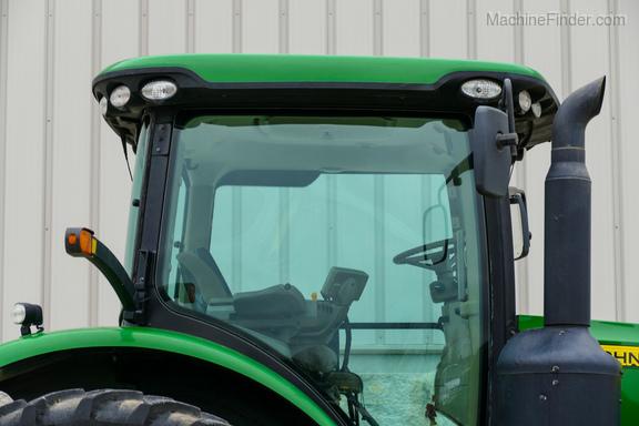 2011 John Deere 8235R-7