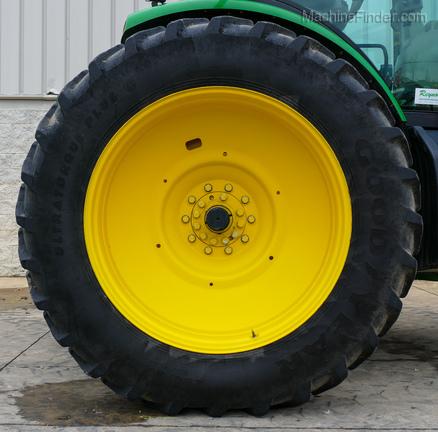 2011 John Deere 8235R-20
