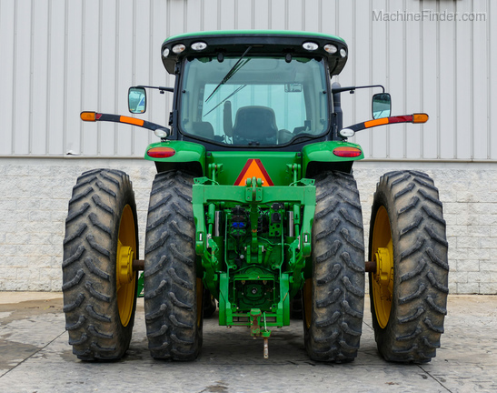 2011 John Deere 8235R-3