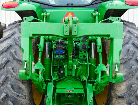 2011 John Deere 8235R-30