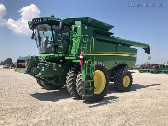 Photo of 2015 John Deere S660