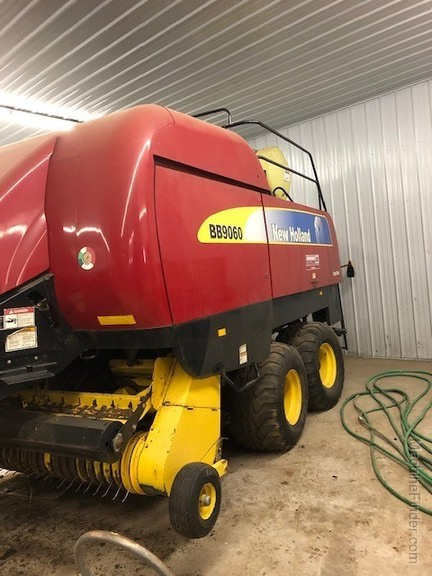 2009 New Holland BB9060