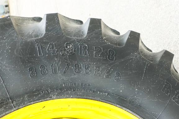 2003 John Deere 7320-23