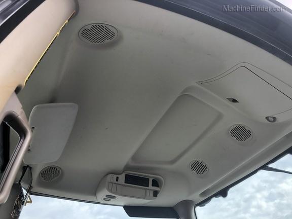 Photo of 2015 John Deere 6130R Cab