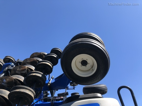 Photo of 2013 New Holland P2085