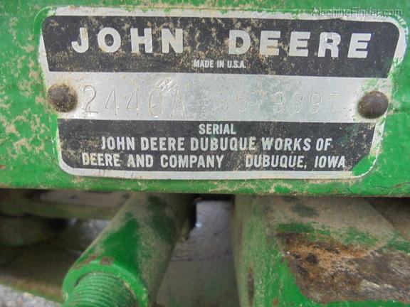 John Deere 2440