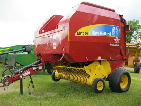 2009 New Holland BR7060 - Round Balers - John Deere MachineFinder