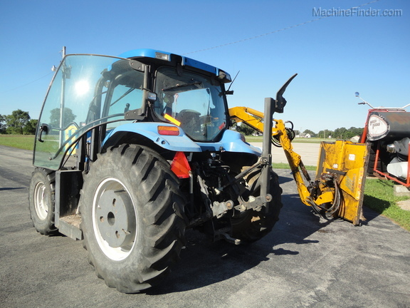 2004 New Holland TS100A Deluxe Cab Image 8