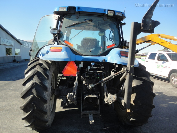 2004 New Holland TS100A Deluxe Cab Image 10