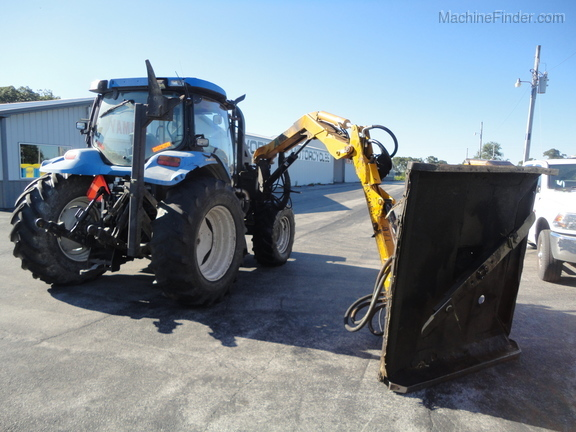 2004 New Holland TS100A Deluxe Cab Image 11