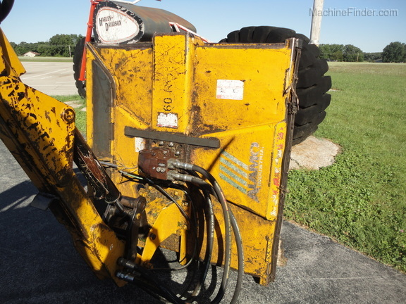 2004 New Holland TS100A Deluxe Cab Image 22