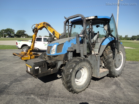 2004 New Holland TS100A Deluxe Cab Image 4