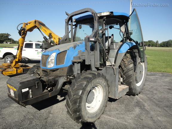 2004 New Holland TS100A Deluxe Cab Image 5