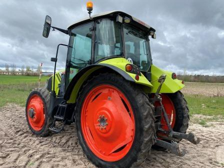 Claas ARION 420