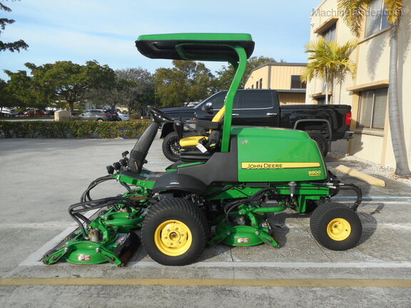 Pre-Owned John Deere 8800 in Boynton Beach, FL Photo 1