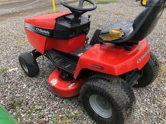 2002 Simplicity Broadmoor 16VH - Lawn & Garden Tractors