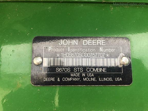 Photo of 2013 John Deere S670
