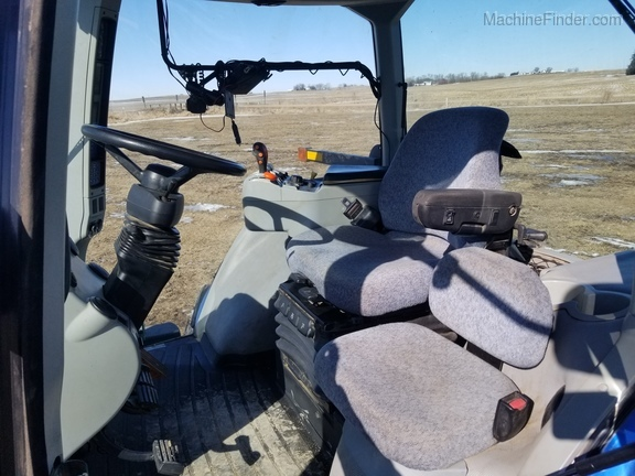 2008 New Holland T8040 Image 26
